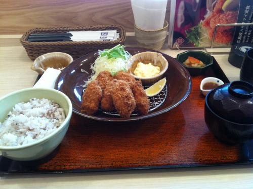 大戸屋カキフライ定食1
