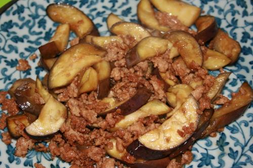 ナスとひき肉の炒め物